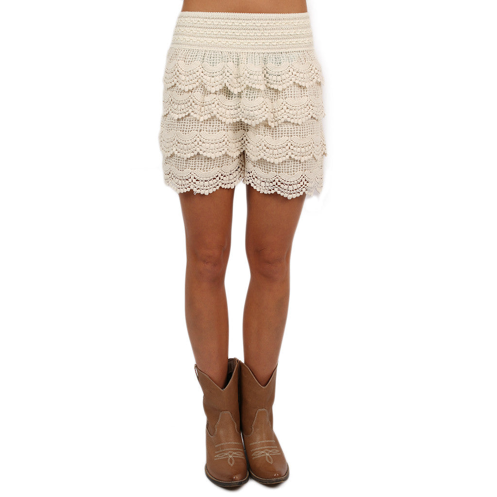 Front Row Cheers Shorts in Ivory