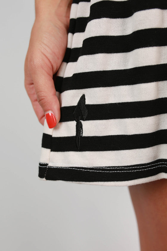 Peek a Boo Dress Black