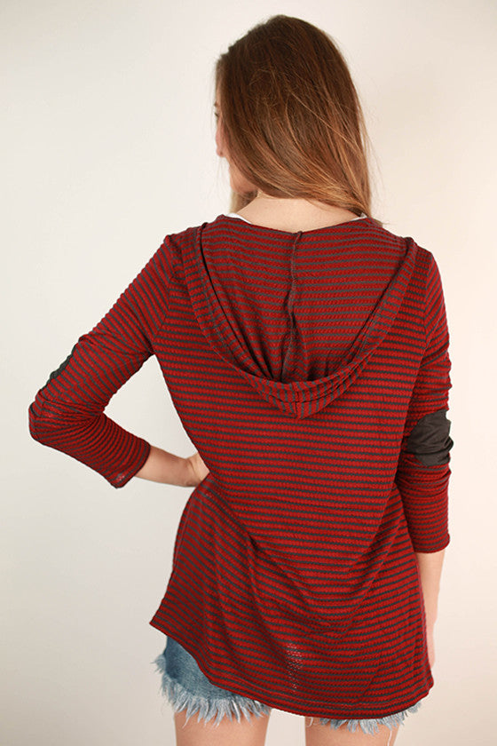 Miss Big City Cardi in Burgundy