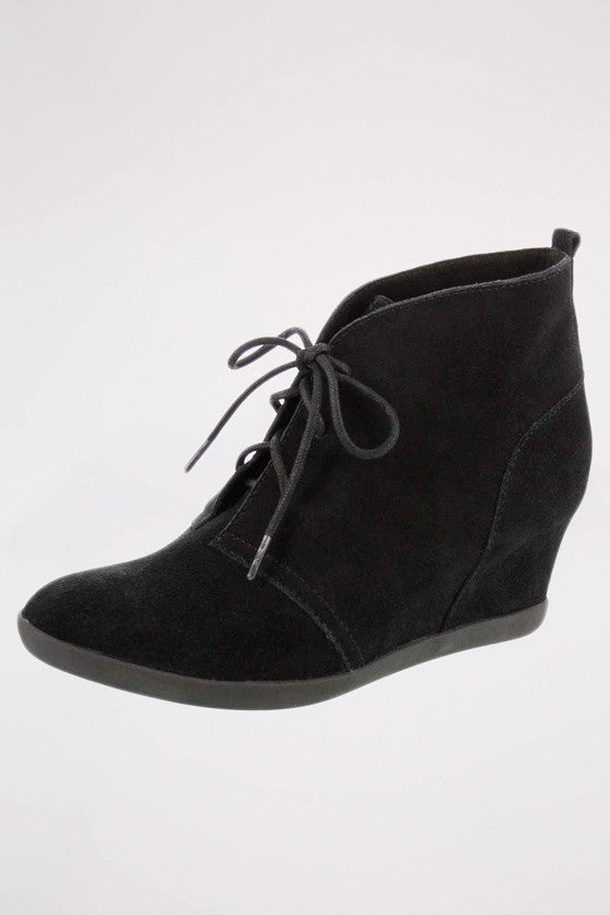 Lace-Up Hidden Wedge in Black