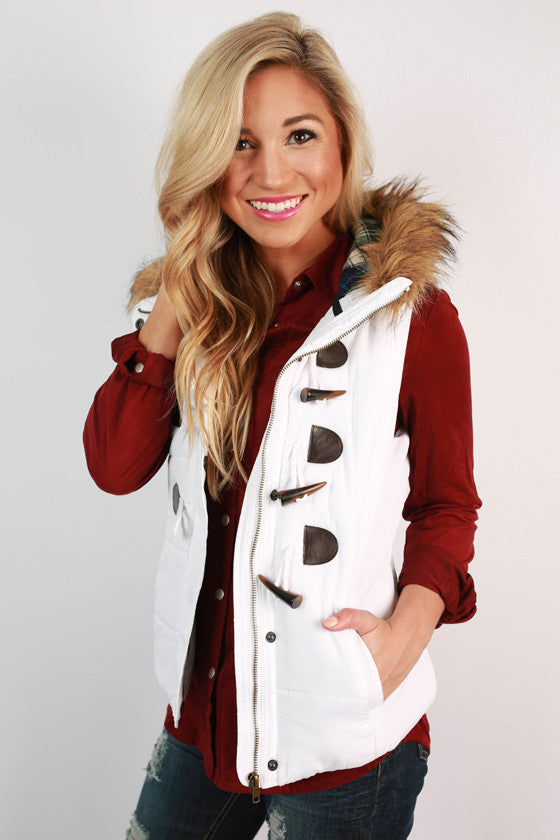 She's Super Chic Faux Fur Vest in White