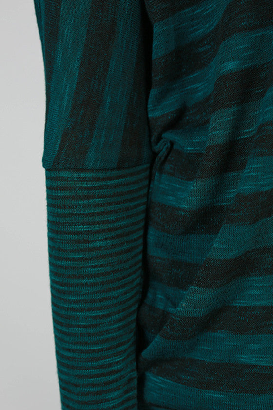 Must Be Bliss V-Neck Tunic in Teal