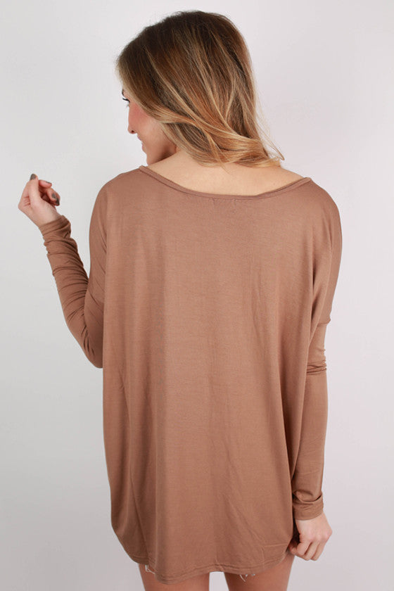 PIKO Loose Fit V-Neck Tee in Mocha