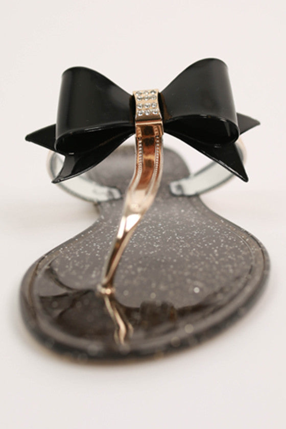 Bows & Kisses Flat in Black