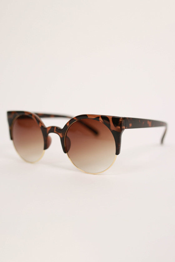 Cat Eye Sunglasses in Brown