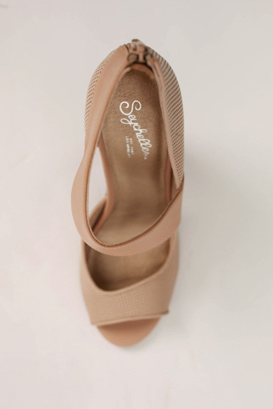Amulet Heel in Nude Leather