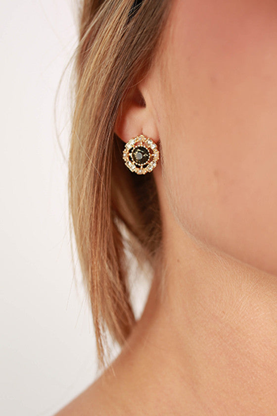 Sweetheart Earrings in Black