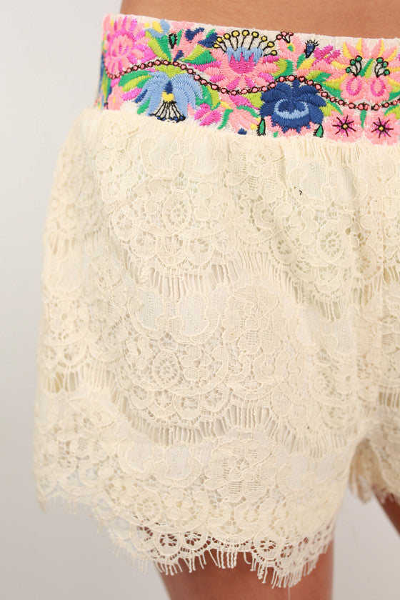 Free Spirit Floral Shorts in Ivory