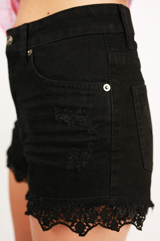 Lace Highrise Shorts in Black