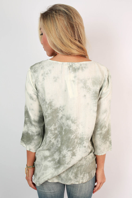 Fashionista in France Top in Sage