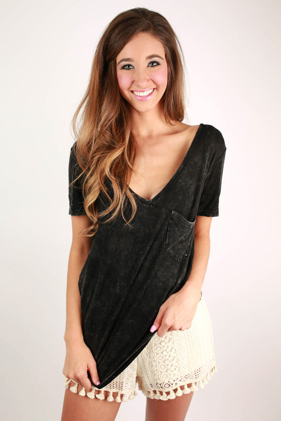 V-Neck Vintage Tee in Black