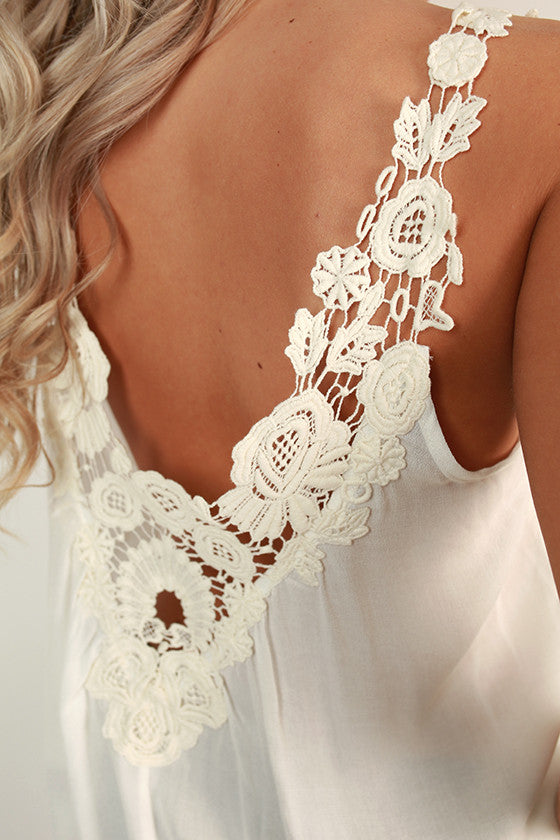 Chic & Sweet Flower Crochet Trim Tank