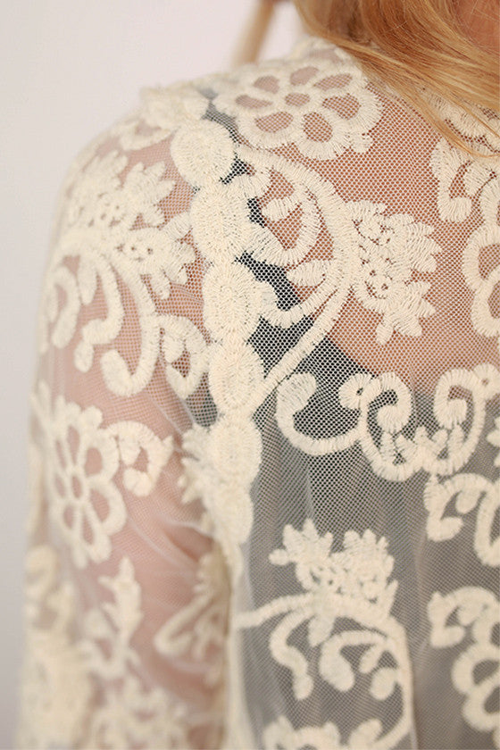 Tea Time Lace Overlay in Ivory