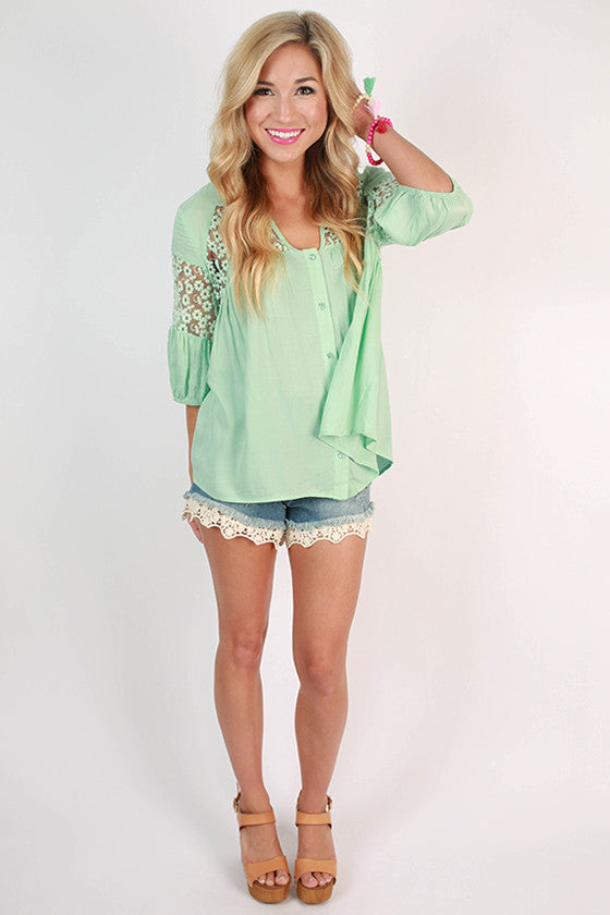 What A Stunner Lace Top in Mint