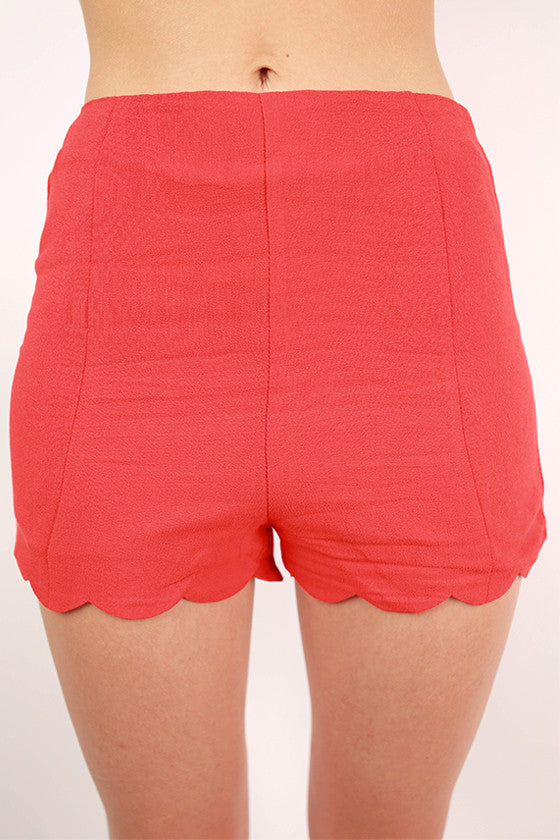 Made Ya Look Scallop Shorts in Tomato
