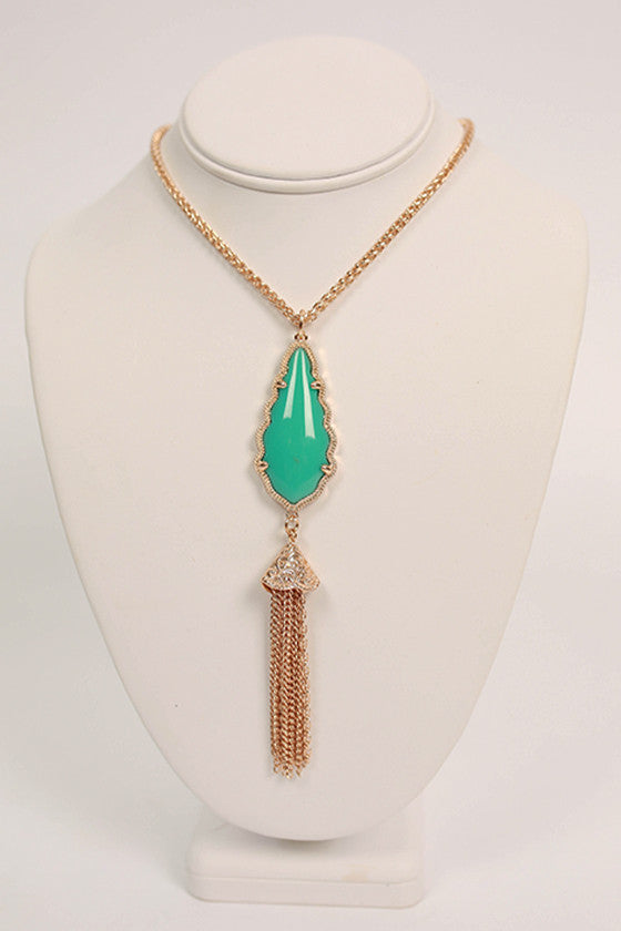 Queen For A Day Necklace in Turquoise