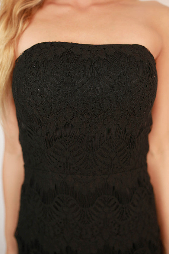 Endless Lace Strapless Dress in Black
