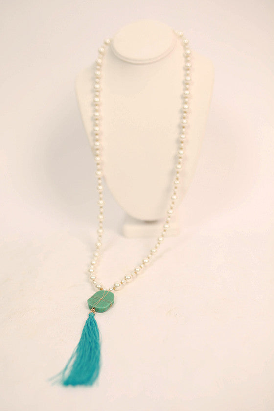 Jewel of the Sea Necklace in Cream