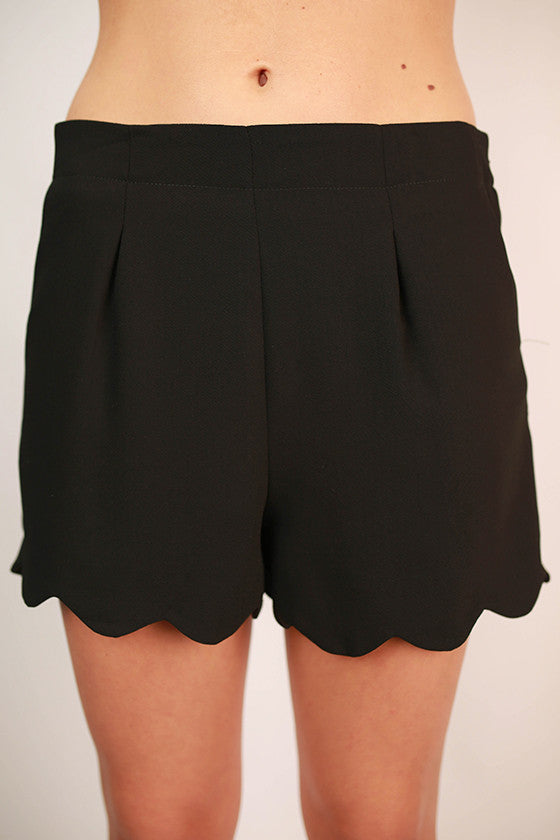 So Presh Scallop Shorts in Black