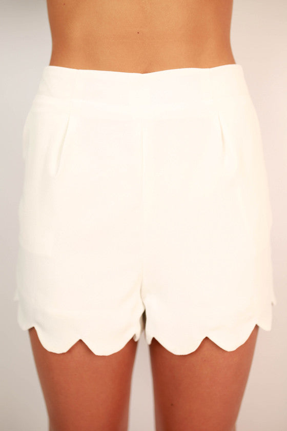 So Presh Scallop Shorts in White