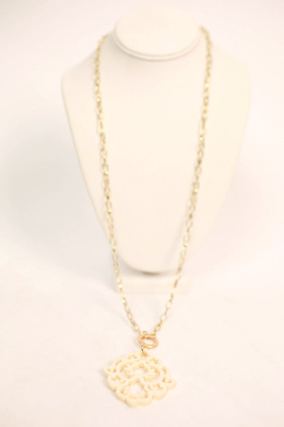 Cool Capri Necklace in Cream