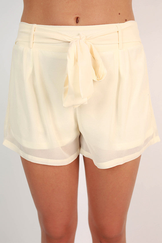 Breezy Keen Shorts in Cream