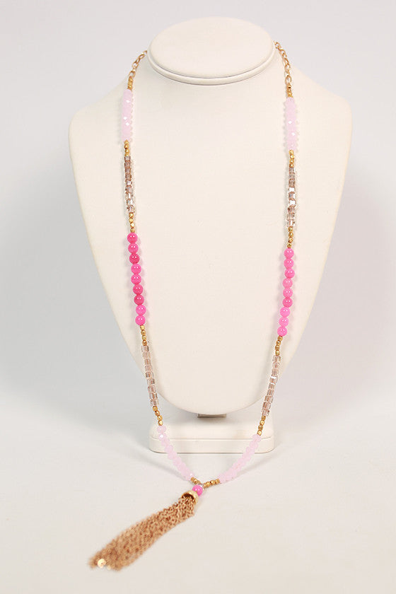 Tassel & Chic Necklace in Pink