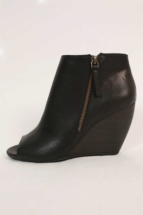 Rebellion Wedge in Black