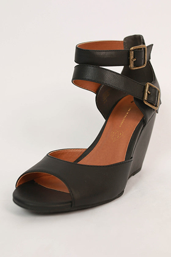 Spark Wedge in Black