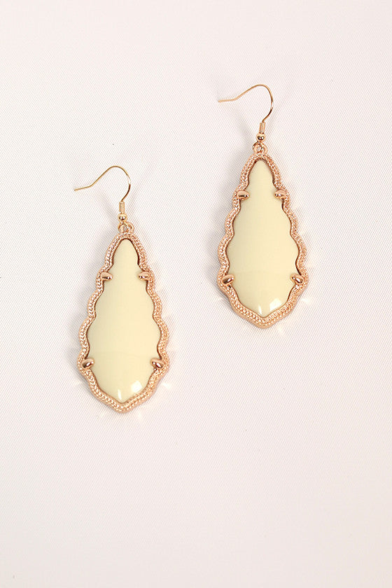 Queen For A Day Earrings in Ivory