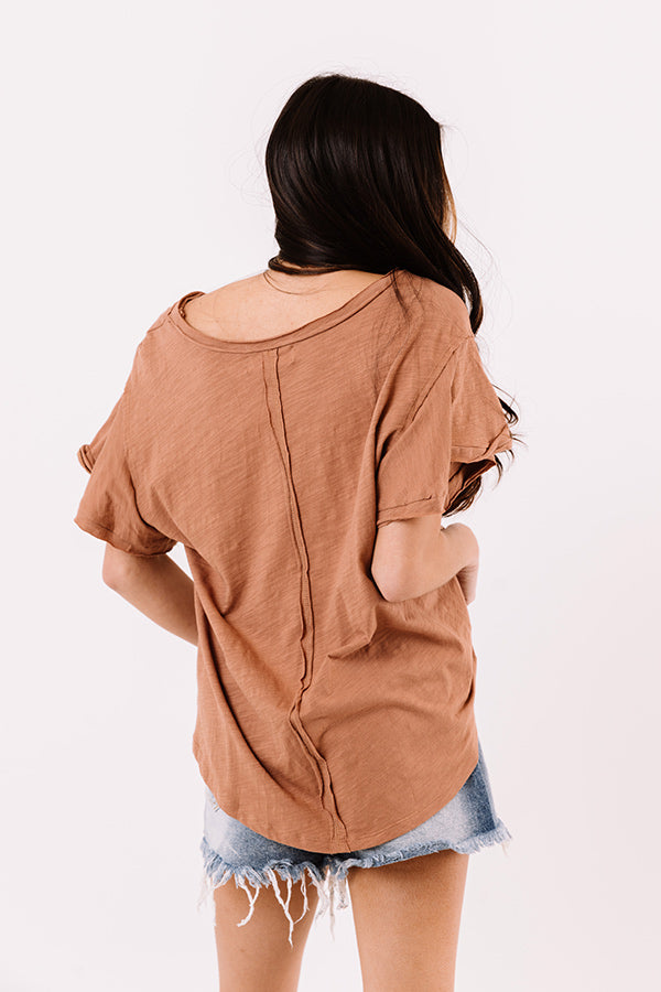 Saturday Stroll Shift Tee In Mocha