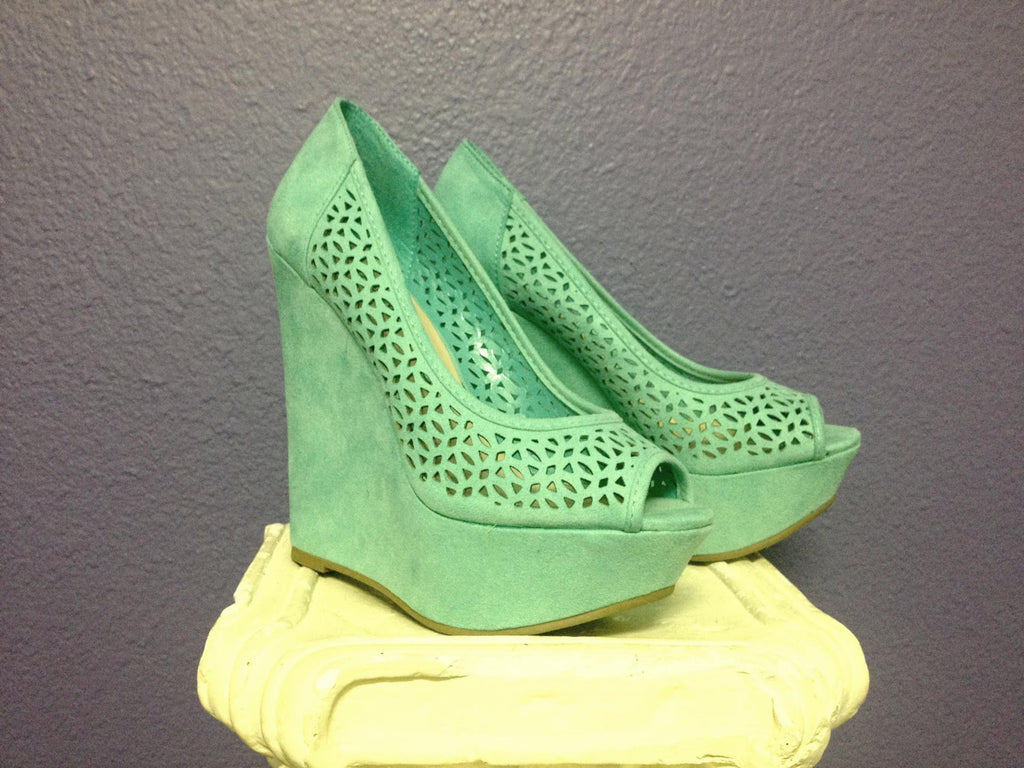 Fashion Week Wedge in Mint