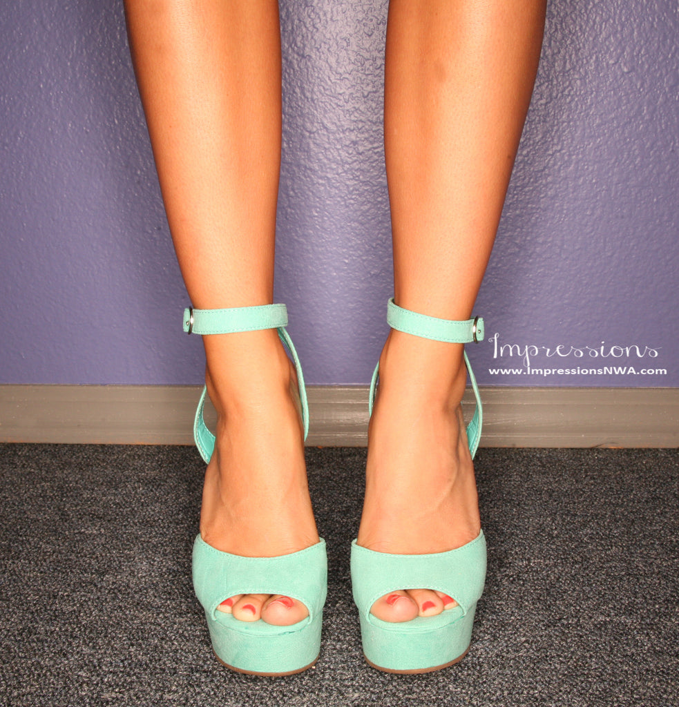 Summer Nights Wedge in Mint