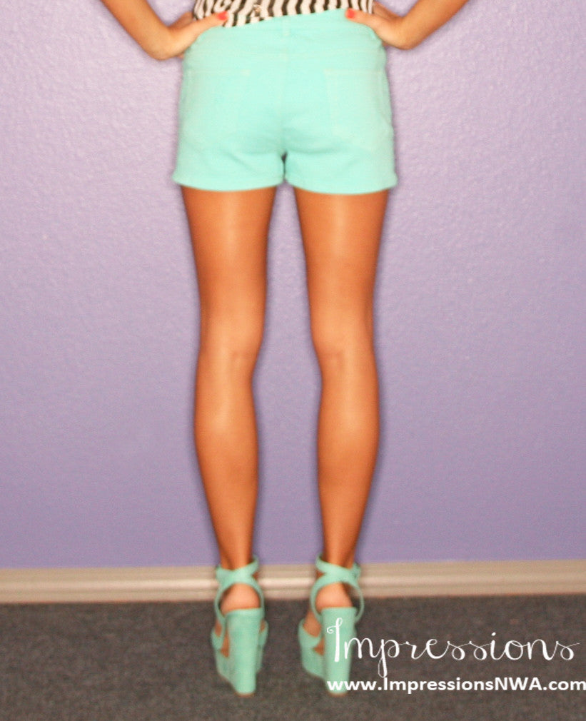 Walking on Sunshine Short Mint