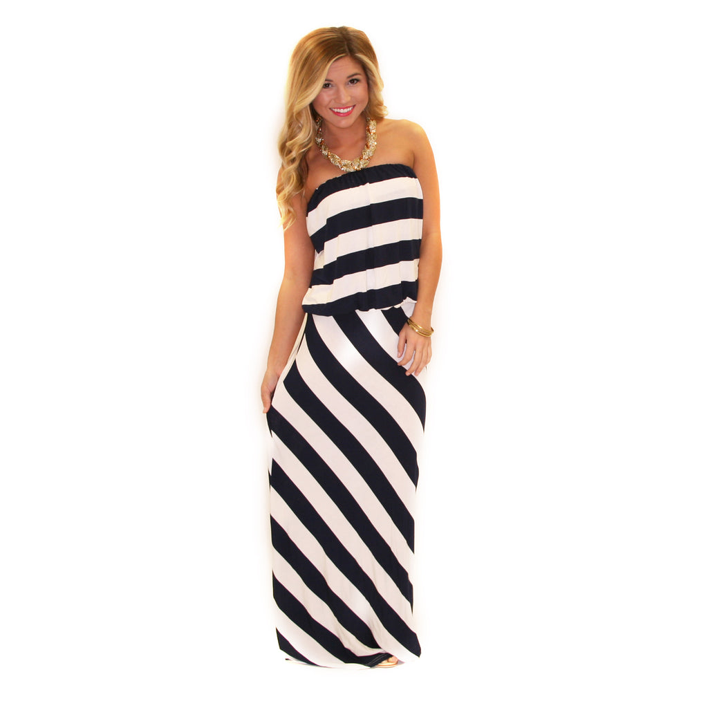 Blurred Lines Maxi in Navy
