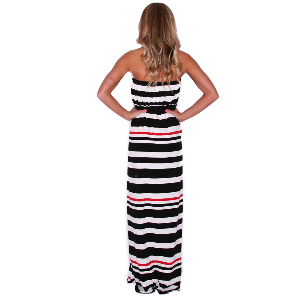 Completely Kissable Maxi in Black