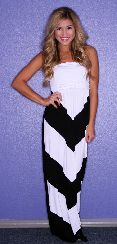 Dream Girl Maxi in Black