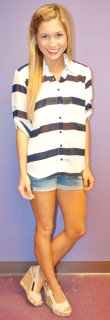 Chic On Repeat Navy & White