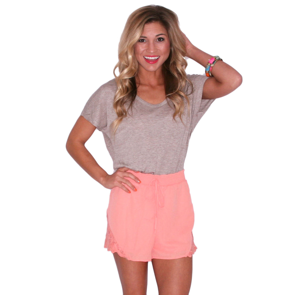 Patio Party Tee Taupe