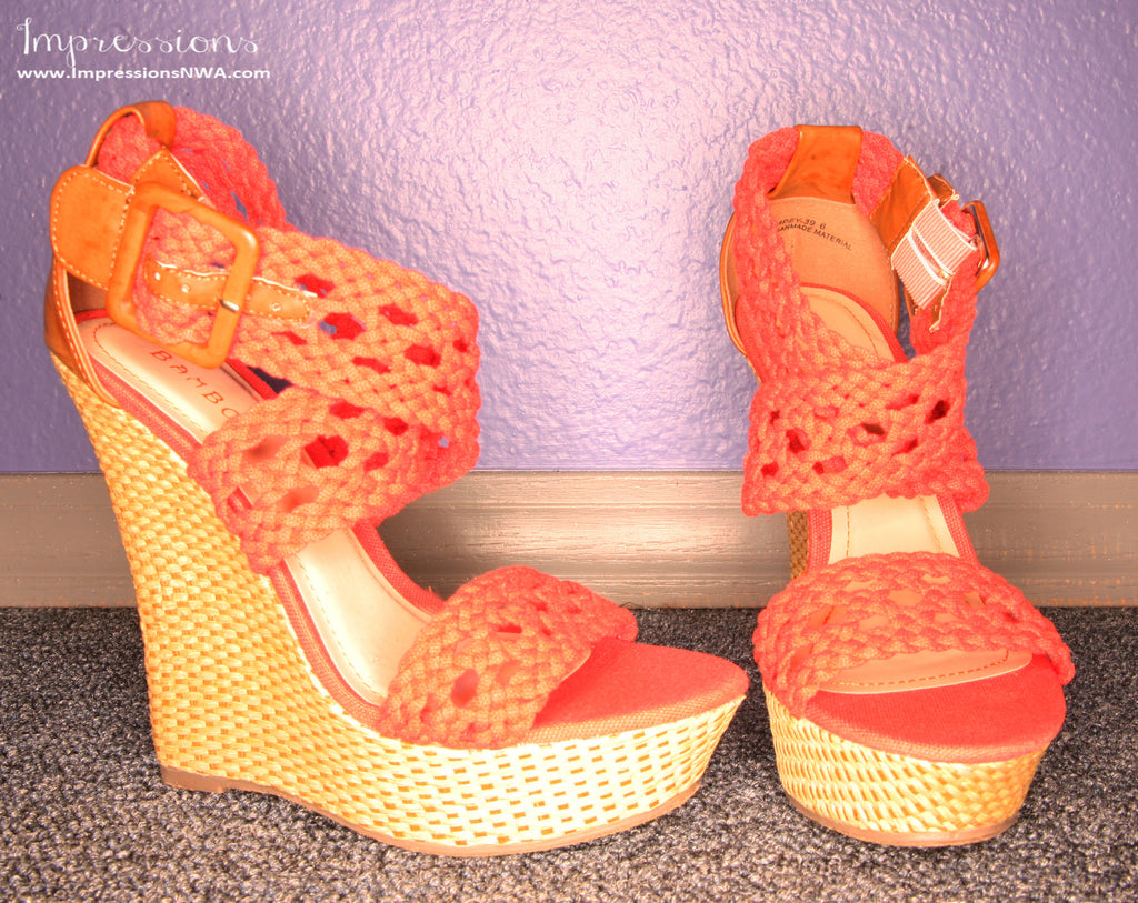 Royal Engagement Wedge Coral