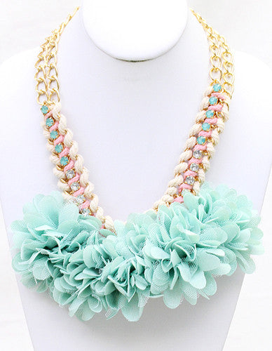 Flower Child Necklace in Mint