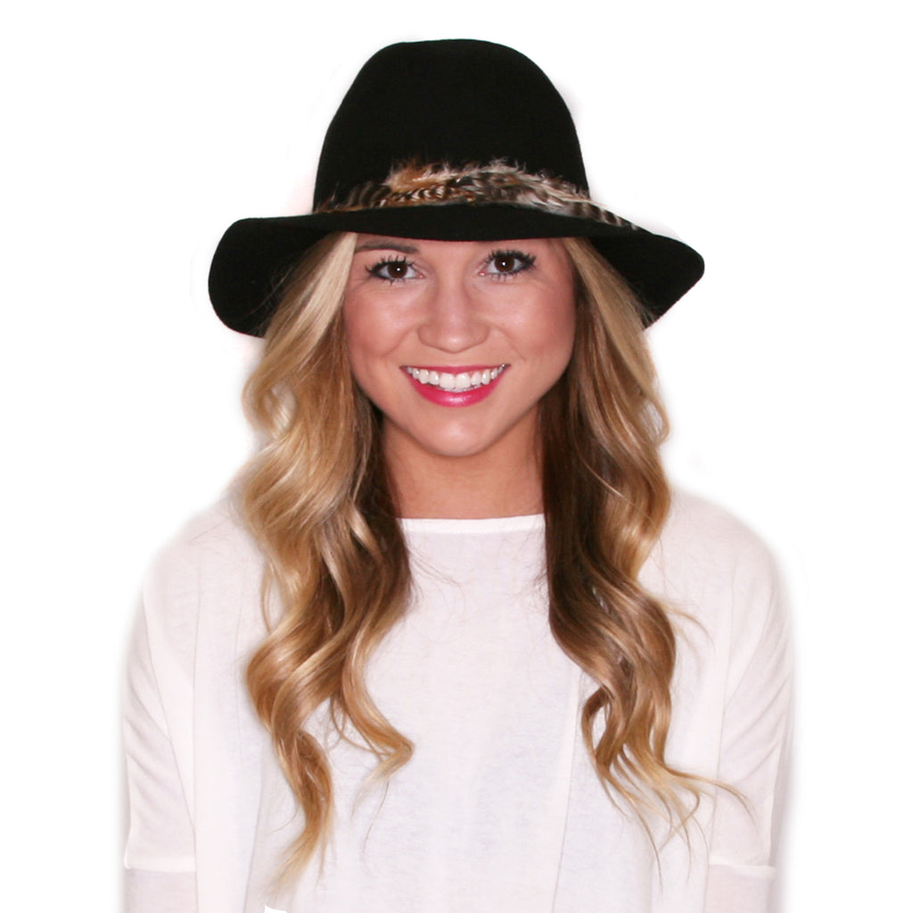 Weekend Getaway Hat in Black