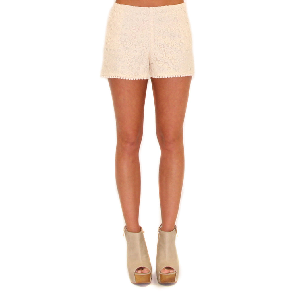 Touch Of Whimsy Shorts Cream