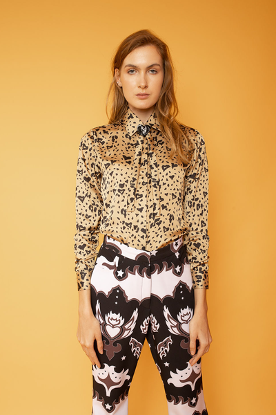 Classic Button up Shirt with Neck Bow - Shantall Lacayo