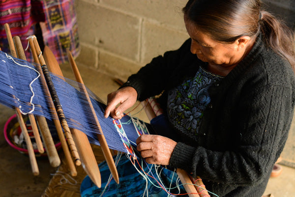 backstrap Loom - Mercado Global - Ethical Fashion - Artisan Weaving