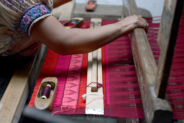 Foot Loom - Mercado Global - Ethical Fashion - Artisan Weaving