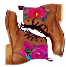 Load image into Gallery viewer, Flower Power Peace Boot