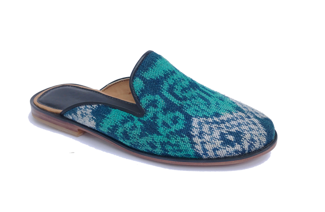 Jewel Ikat Amor Slide, size 10