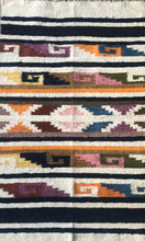 Load image into Gallery viewer, Siembre Momo Rug