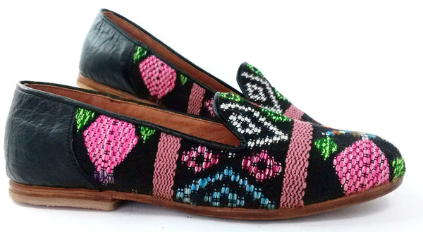 smoking slipper black background with pink multicolor diamond textile